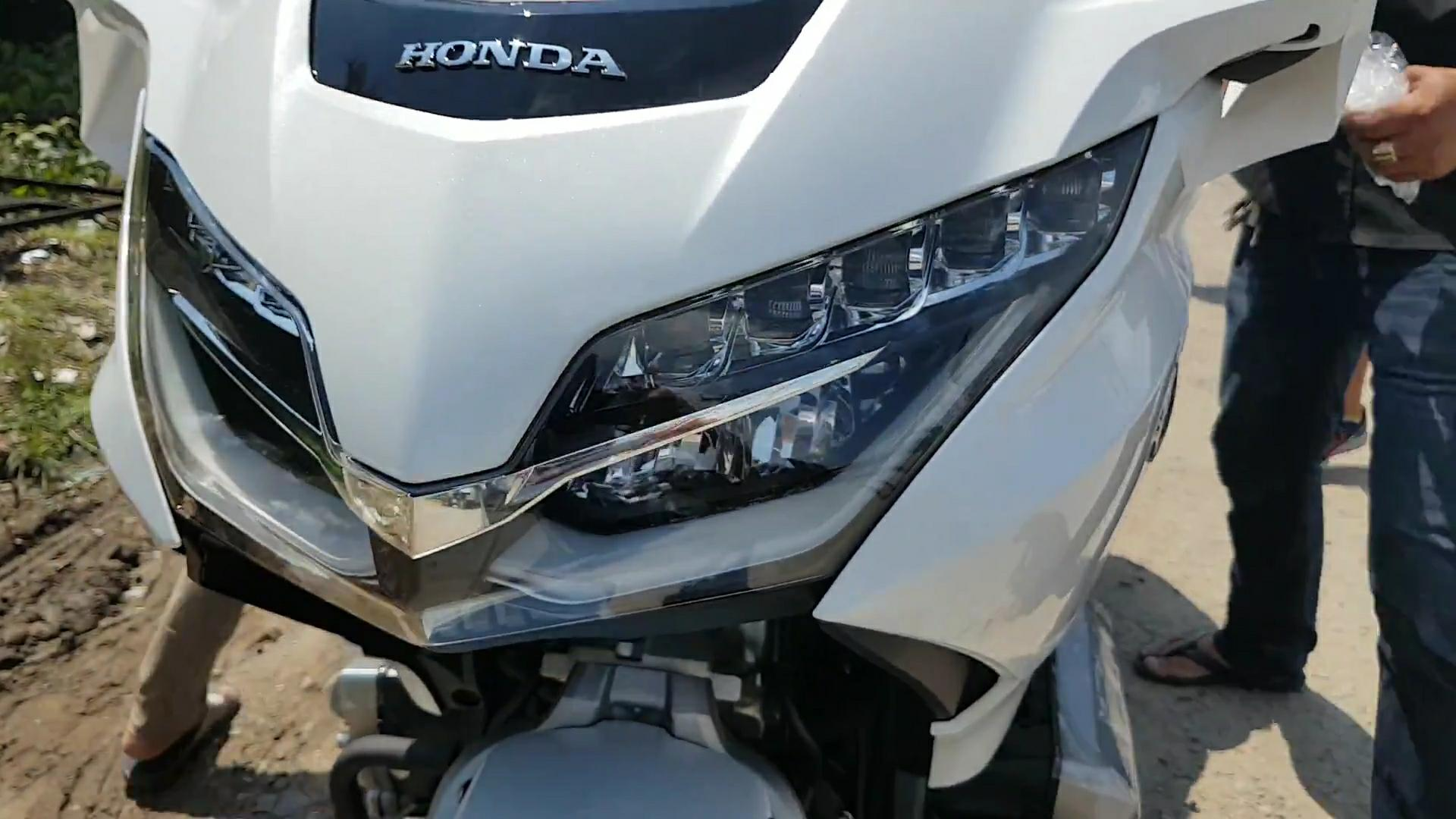 Thị trường xe - Honda Goldwing 2018: 'Vừa rửa xe, vừa nghe nhạc' đầu tiên về Việt Nam (Hình 9).