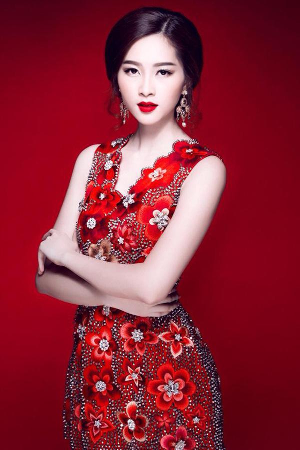 Giải trí - Nhan sắc vạn người mê của Hoa hậu Thu Thảo (Hình 3).