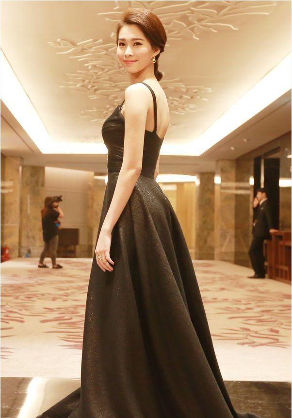 Giải trí - Nhan sắc vạn người mê của Hoa hậu Thu Thảo (Hình 4).