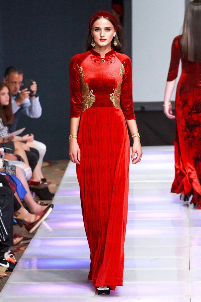 Giải trí - Khai mạc New York Couture Fashion Week, NTK Việt tạo tiếng vang lớn (Hình 4).