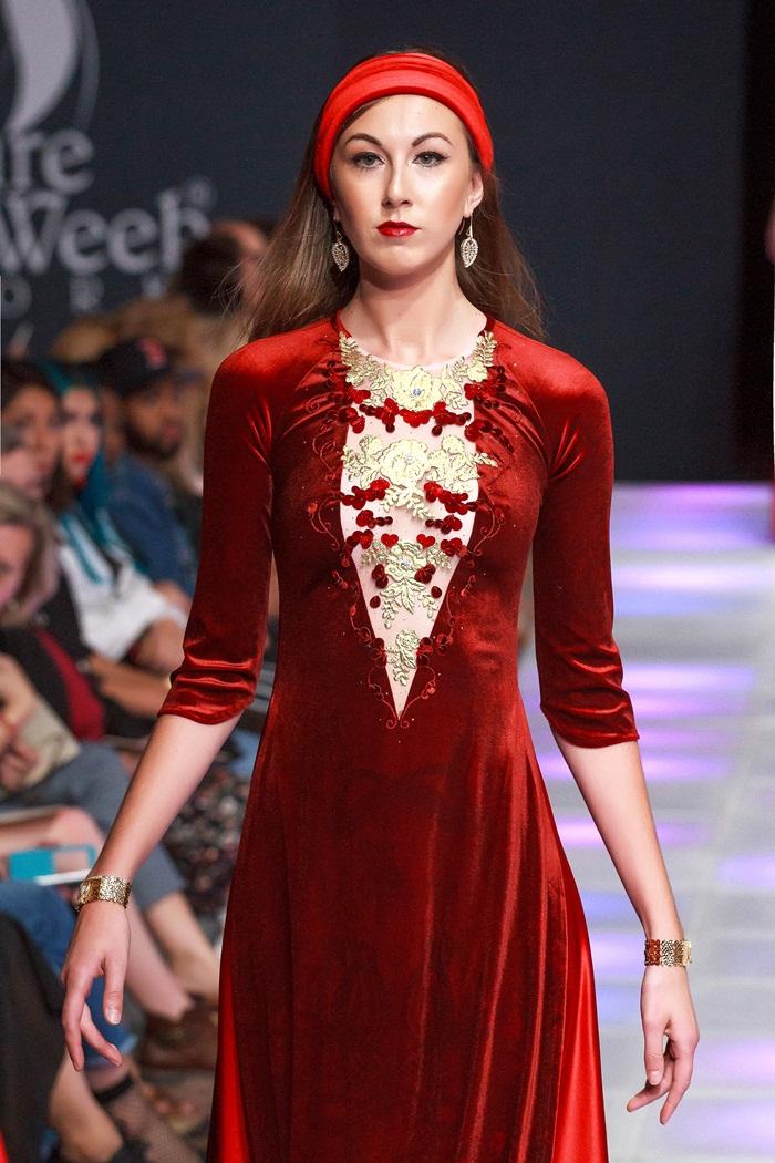 Giải trí - Khai mạc New York Couture Fashion Week, NTK Việt tạo tiếng vang lớn (Hình 6).