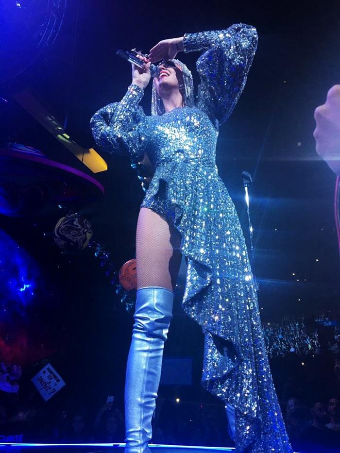 Giải trí - Katy Perry diện ba thiết kế của Công Trí trong tour diễn thế giới (Hình 3).