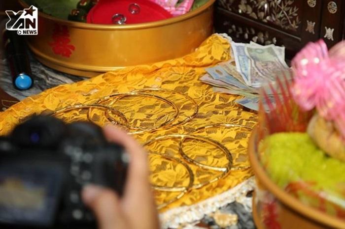 Lâm Khánh Chi cổ nặng trĩu vàng, ngọt như mía lùi với chồng trẻ - Hình 6