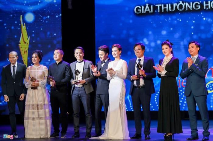 Sự kiện - Nhìn lại một năm nhiều lùm xùm của làng giải trí Việt 2017 (Hình 8).