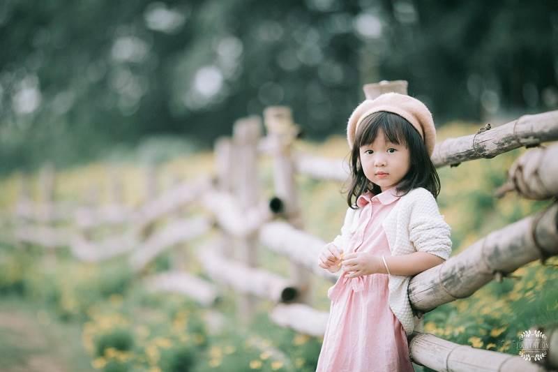 """Tan chảy với bộ ảnh hai """"thiên thần"""" nhỏ nhí nhảnh giữ vườn hoa - Hình 6"""