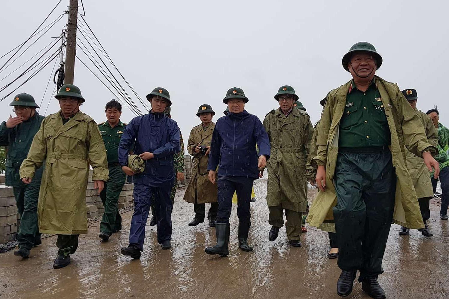 Tin nhanh - Đoàn công tác của Chính phủ đến thị sát, đôn đốc ứng phó bão tại Sóc Trăng, Bạc Liêu