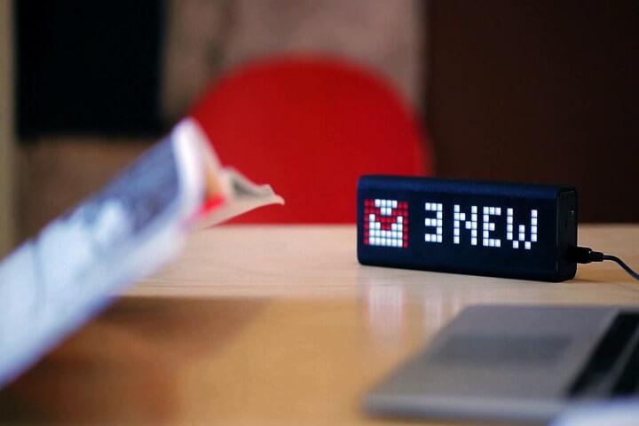 Sản phẩm - Đồng hồ để bàn thông minh với khả năng kiểm soát cả căn nhà