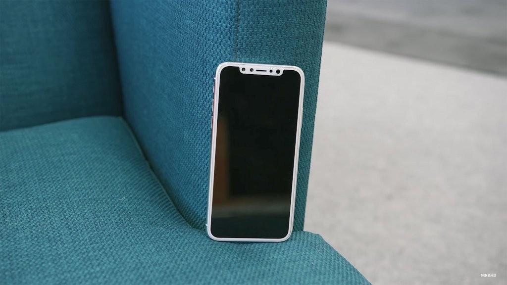 Trên tay nguyên mẫu thực tế của iPhone 8 - Hình 6