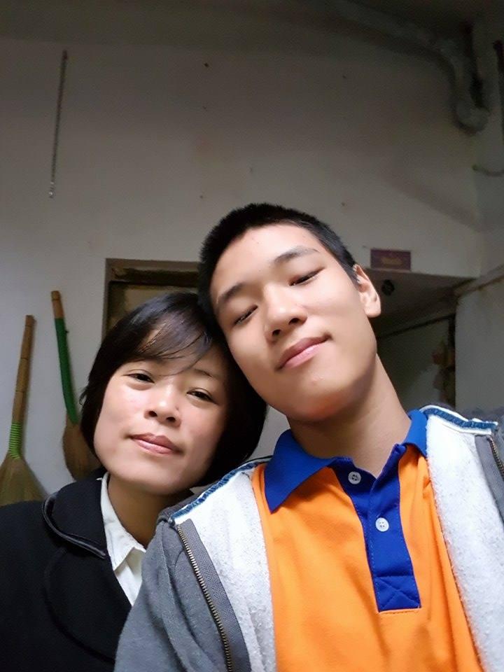 """Gia đình - """"Phép màu"""" của mẹ giúp cậu bé tự kỷ trở thành kỷ lục gia xiếc"""