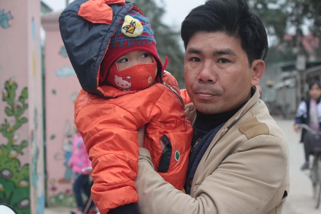 Xót xa cảnh trẻ em co ro, ngáp ngủ đến trường trong ngày rét - Hình 7