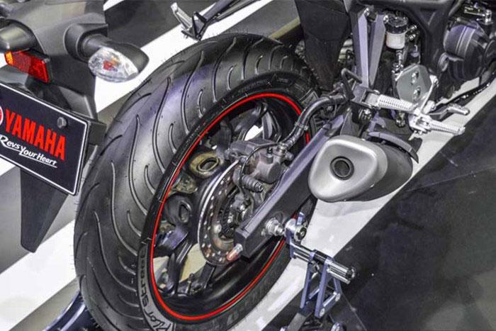 Thị trường xe - Yamaha R3 2018 sẽ được trang bị phanh ABS? (Hình 4).