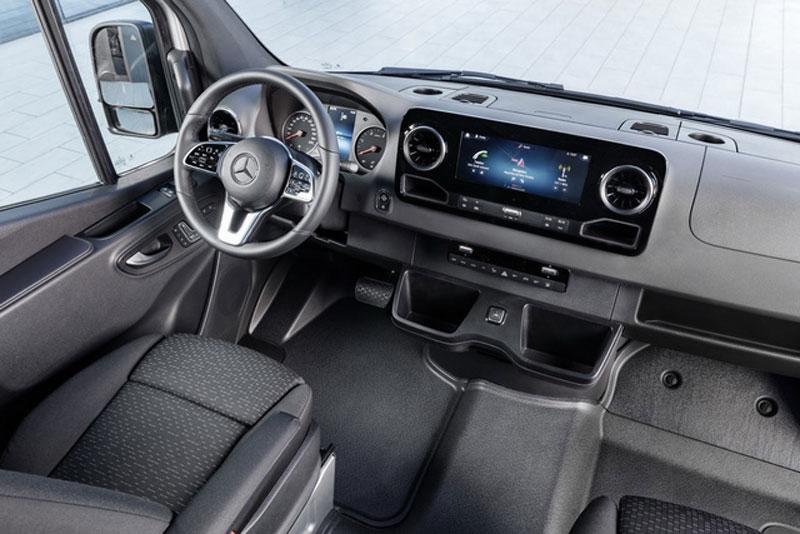 Thị trường xe - Mercedes Sprinter thế hệ mới lộ diện thách thức Ford Transit (Hình 3).