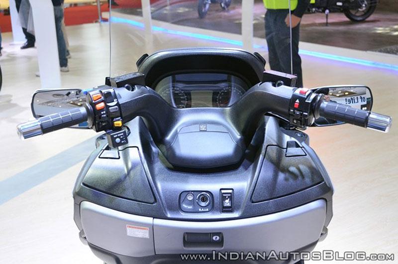 Thị trường xe - Suzuki Burgman 650: Xe ga đồ sộ khiến nhà giàu Việt phát thèm (Hình 3).