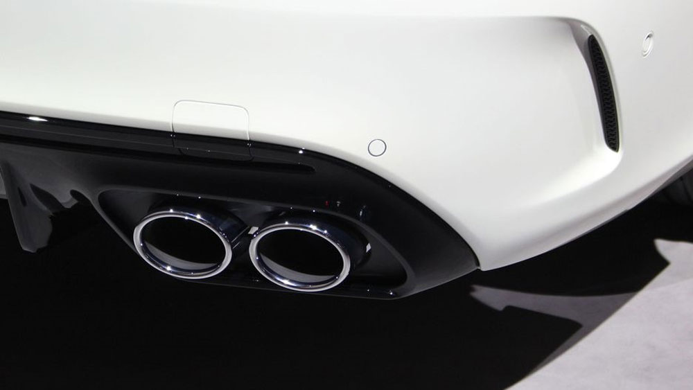 Thị trường xe - Mercedes AMG C43 2019: Nhanh, mạnh và 'chất' hơn (Hình 2).