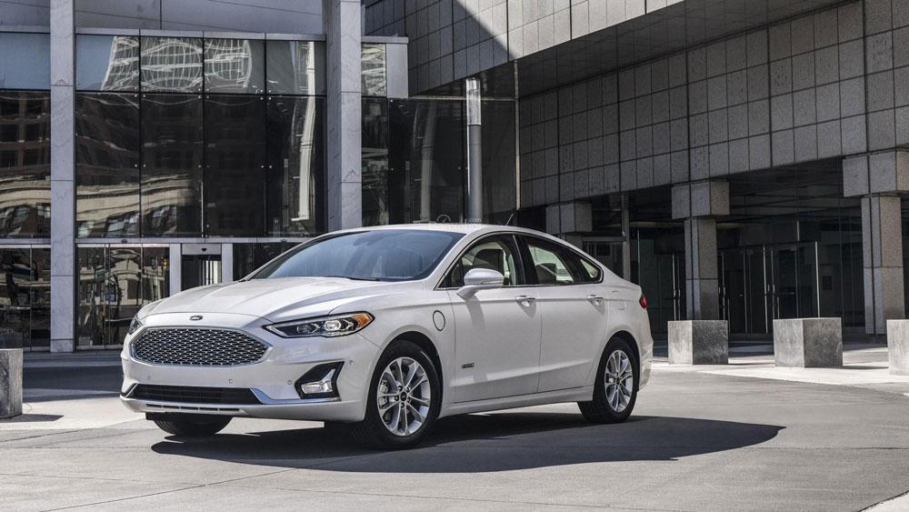 Thị trường xe - Ford Fusion 2019: Diện mạo mới, gia tăng công nghệ đấu Camry, Accord (Hình 3).