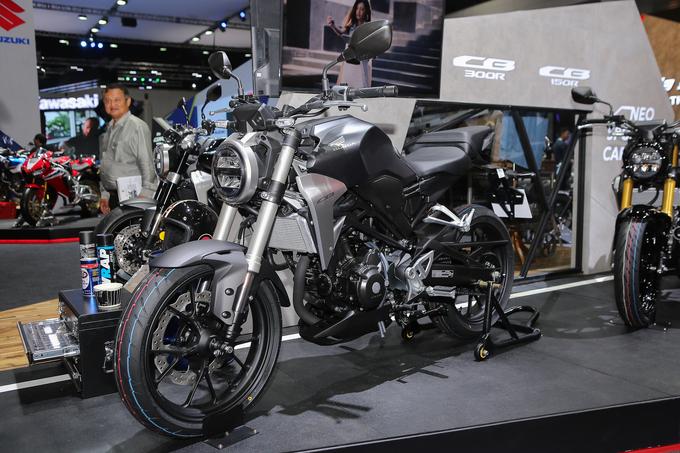 Thị trường xe - Nakedbike được săn đón Honda CB300R 2018 tung giá bán chính thức