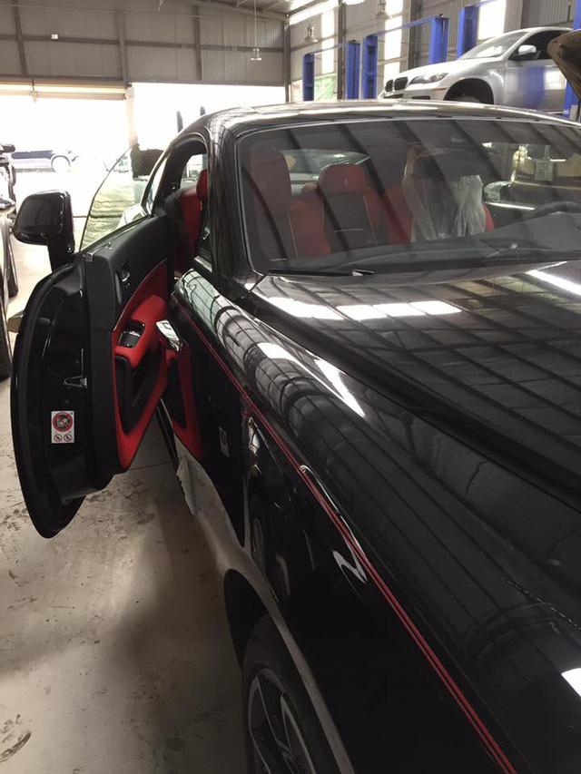 Thị trường xe - Siêu phẩm Rolls-Royce Wraith Black Badge thứ 2 về Việt Nam (Hình 2).