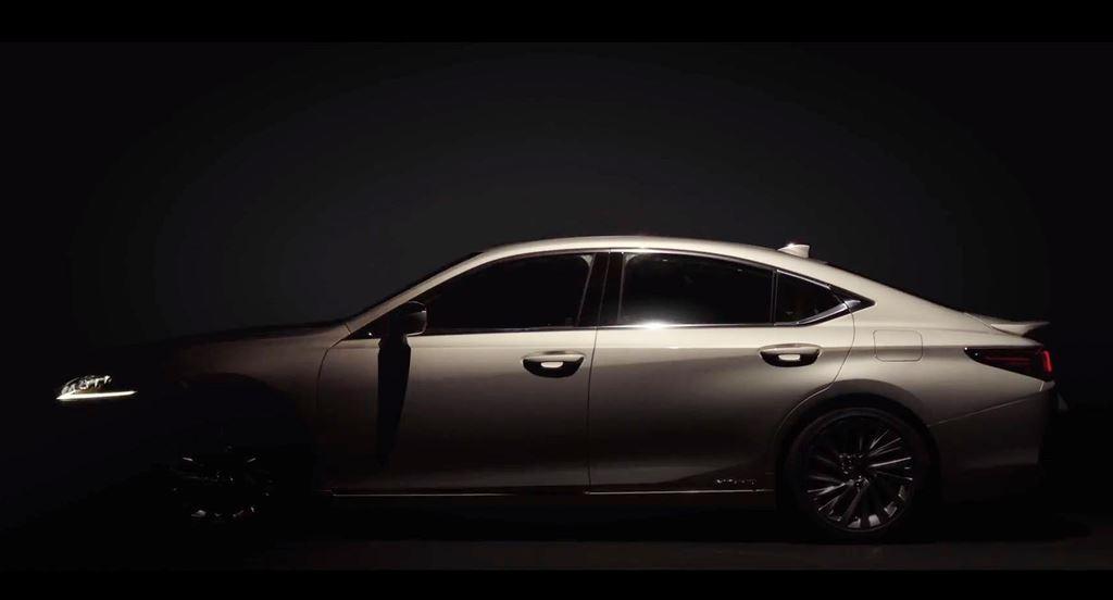Thị trường xe - Những hình ảnh tuyệt đẹp đầu tiên về Lexus ES 2019 (Hình 2).