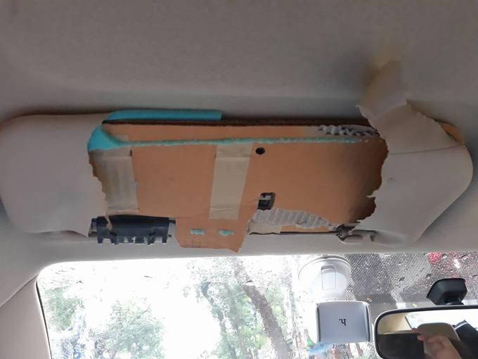 Đánh giá xe - Soi kỹ bên trong tấm chắn nắng ô tô của các hãng xe