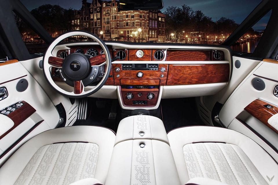 Thú chơi xe - Ngất ngây với nội thất xa xỉ của bản độ Rolls-Royce Phantom Drophead Coupe (Hình 2).