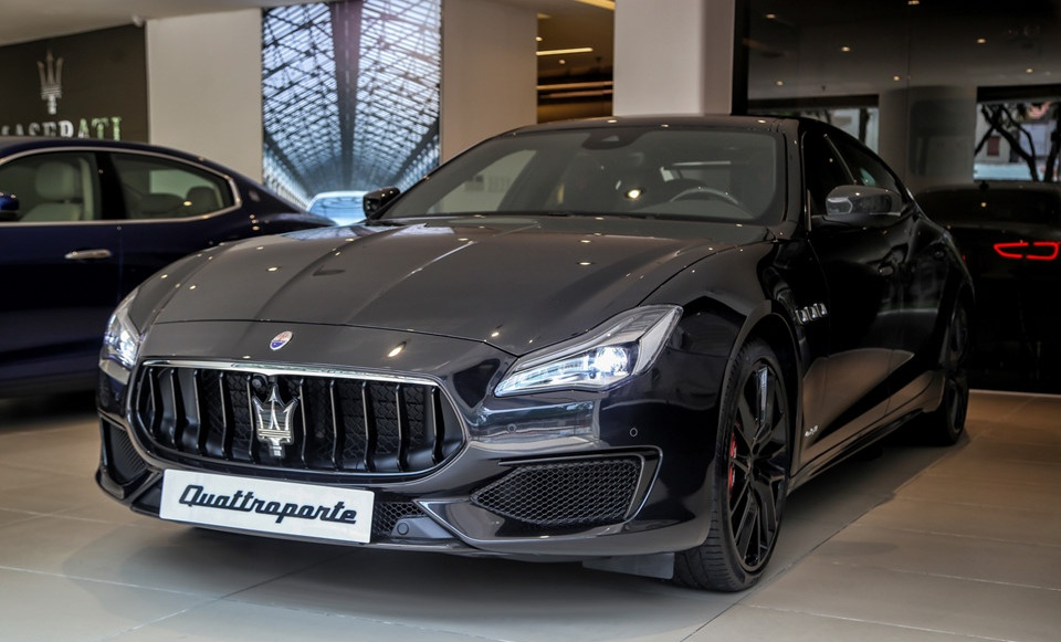 Thị trường xe - Maserati Quattroporte Nerissimo -