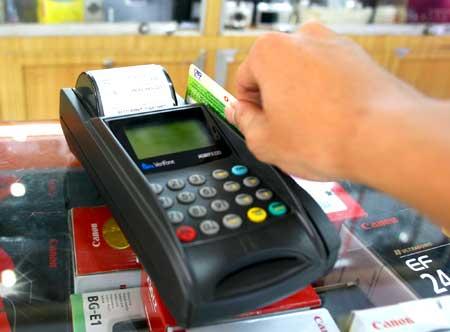 Tiêu dùng & Dư luận - Đề xuất người Sài Gòn đi ăn hàng phải quẹt thẻ trả tiền