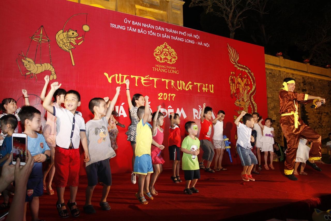 Vui tết Trung thu lung linh sắc màu ở Hoàng Thành Thăng Long - Hình 13