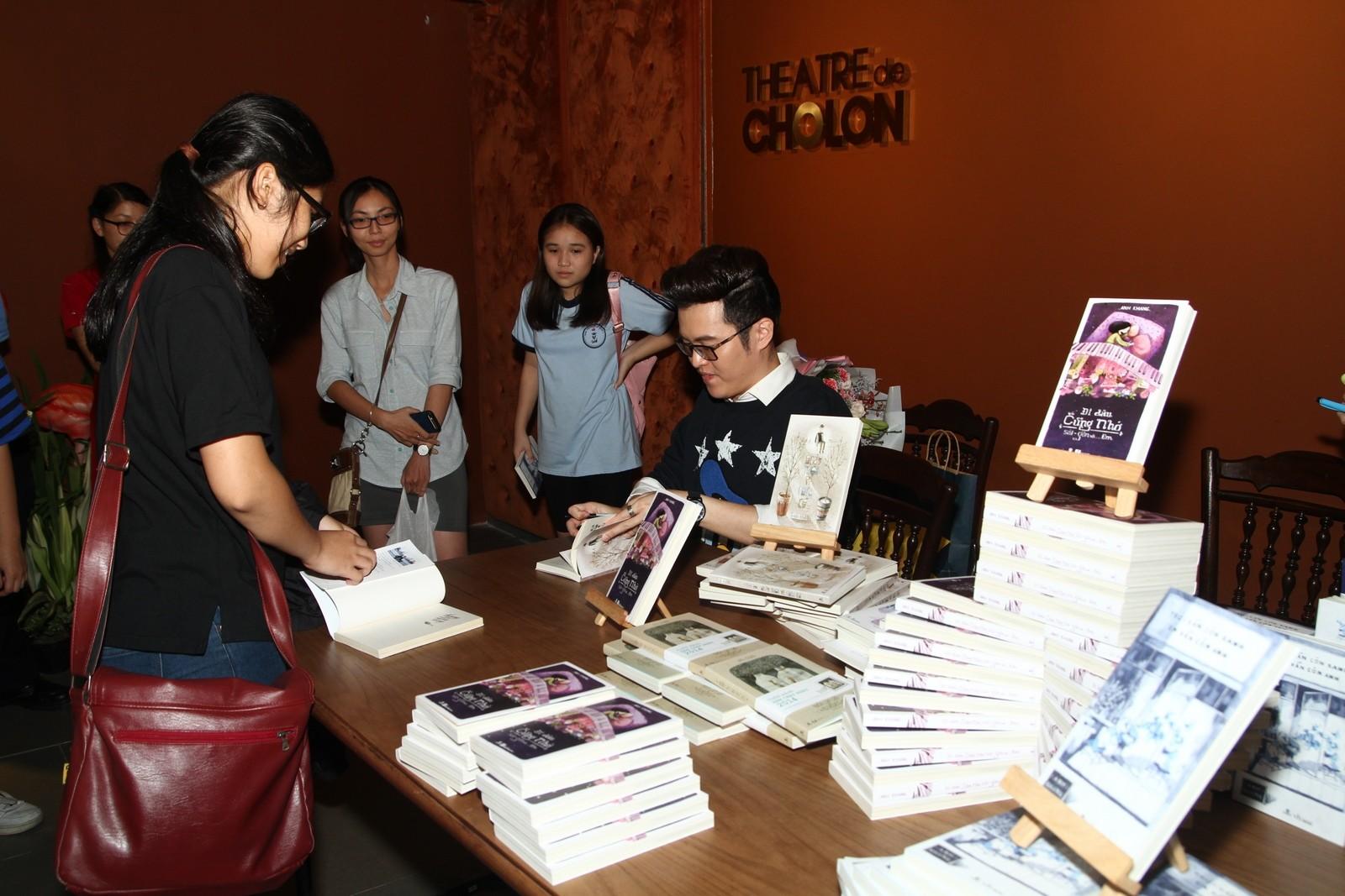 Hàng trăm học sinh say sưa giao lưu với nhà văn Anh Khang - Hình 4
