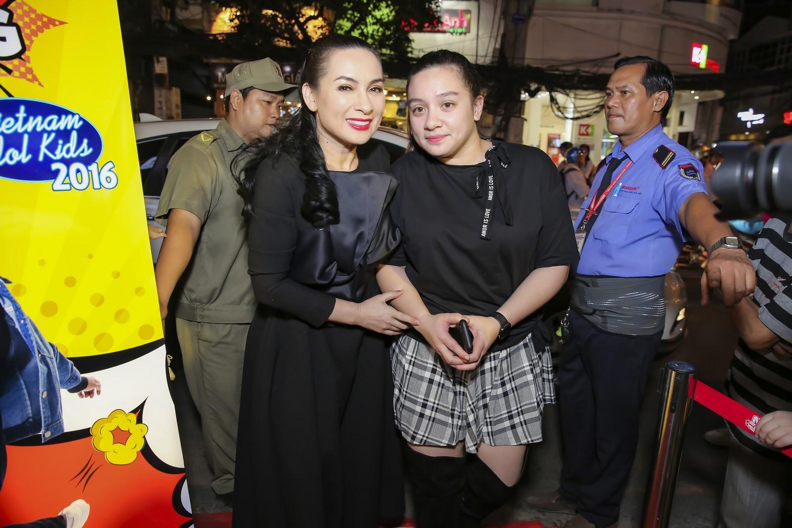 Ngôi sao - Phi Nhung hạnh phúc đưa con gái về nước và tổ chức fan metting (Hình 3).