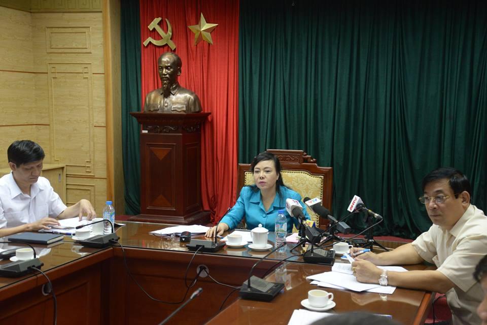 Sức khỏe - Bộ trưởng Y tế yêu cầu tăng cường ngay máy phun hóa chất diệt muỗi