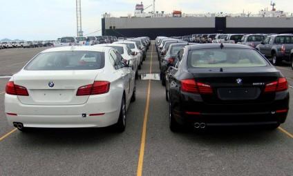 """Kinh doanh - Cận cảnh 700 xe sang của 'gã khổng lồ"""" BMW đang phủ bụi tại cảng (Hình 4)."""