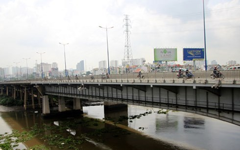 Xã hội - TP.HCM: Lắp đường ống nước ngầm 3.465 tỷ đồng băng sông Sài Gòn (Hình 2).