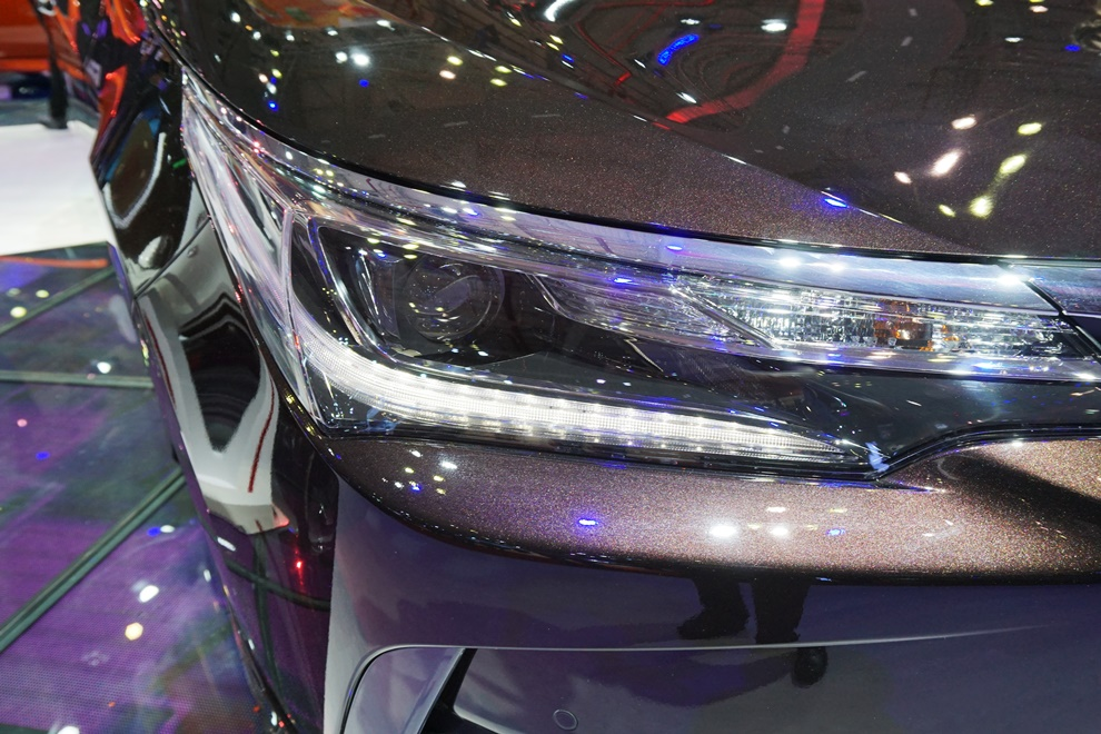 Xe++ - [VMS 2017] Quyết chiến Mazda3, Toyota tung Corolla Altis 2017 (Hình 5).