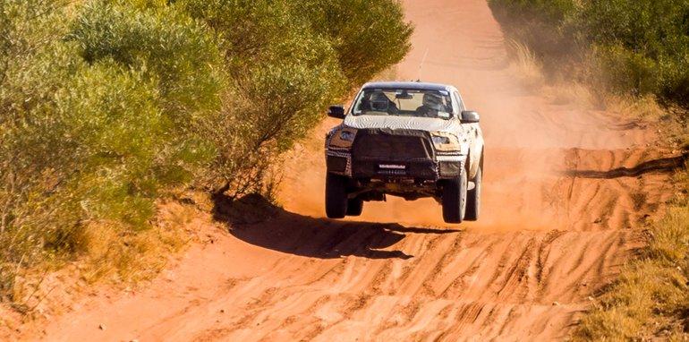 Xe++ - Ford xác nhận sẽ có Ranger Raptor vào năm 2018 (Hình 2).
