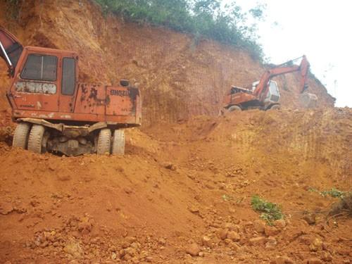 Môi trường - Thái Nguyên: Siết chặt khai thác, mua bán, vận chuyển đất san lấp trái phép