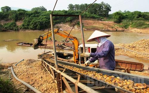 Kết nối- Chính sách - Tăng cường quản lý hoạt động khai thác tài nguyên khoáng sản, cát, sỏi lòng sông