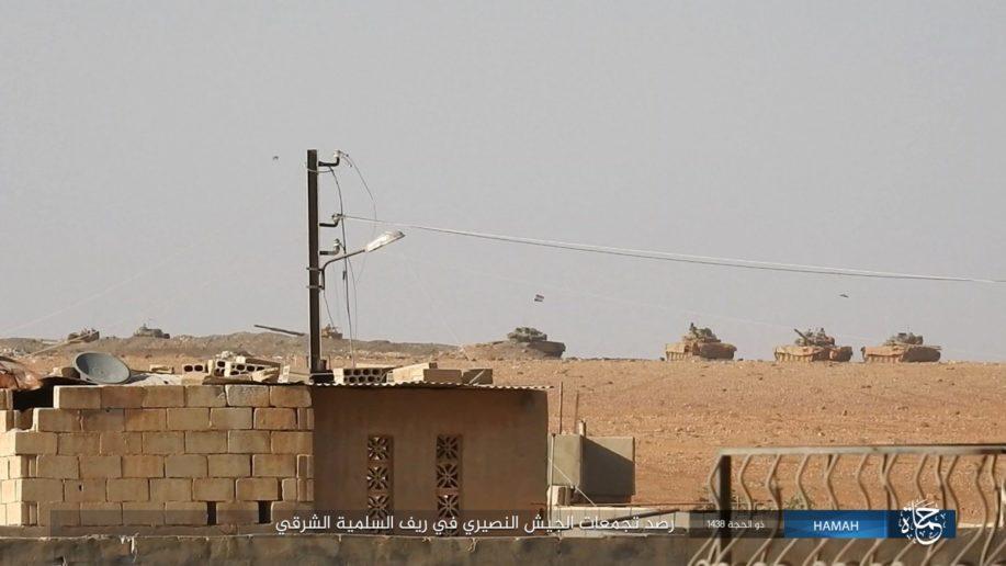 Thế giới - Dù bị tấn công vào đoàn tăng ở phía Đông Hama, SAA vẫn tiêu diệt hàng trăm kẻ khủng bố (Hình 3).