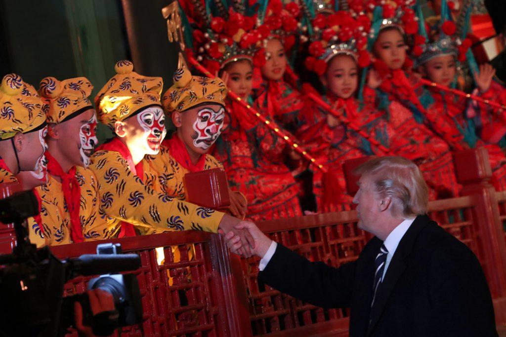 Tiêu điểm - [Ảnh] Trung Quốc dành cho Tổng thống Trump nghi lễ đón tiếp 'vô tiền khoáng hậu' (Hình 10).