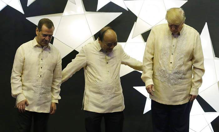 Tiêu điểm - Lãnh đạo thế giới dự tiệc chiêu đãi mừng 50 năm ASEAN (Hình 7).