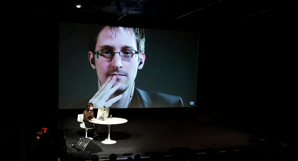 Tiêu điểm - Edward Snowden tiết lộ lý do Giám đốc CIA mới có thể bị bắt ở châu Âu