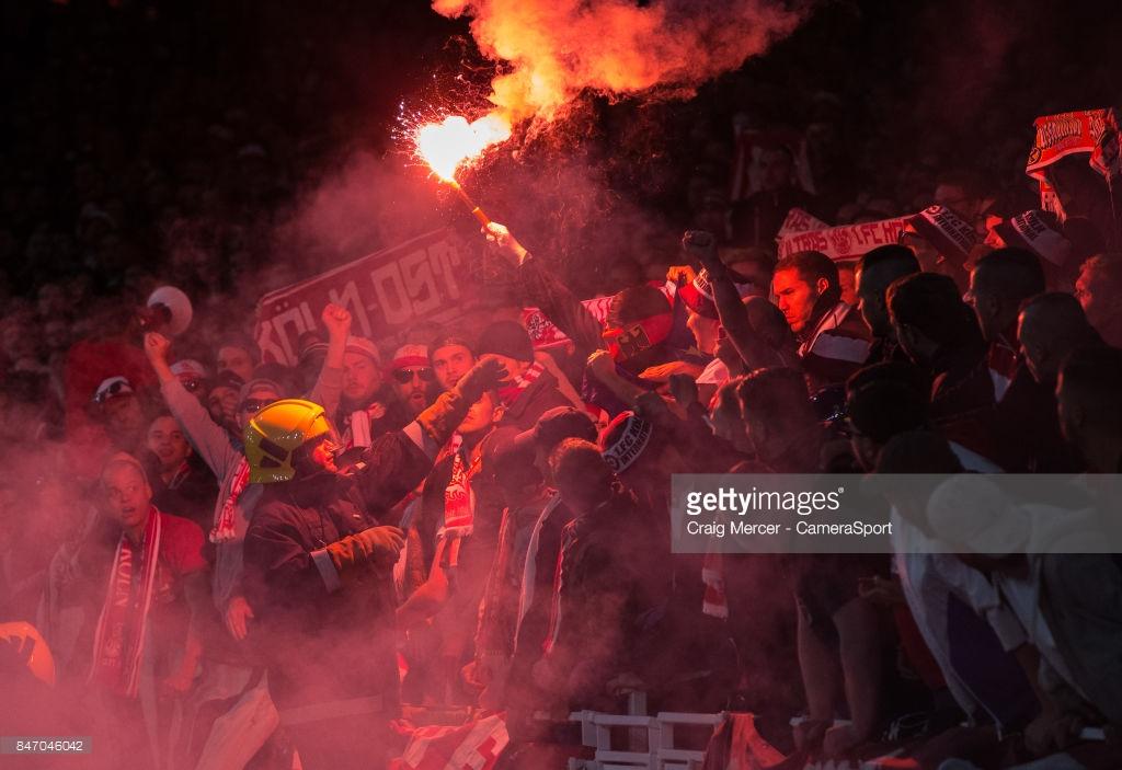 """Chùm ảnh: Emirates suýt """"vỡ trận"""" trong ngày Arsenal nhọc nhằn vượt qua Cologne - Hình 1"""