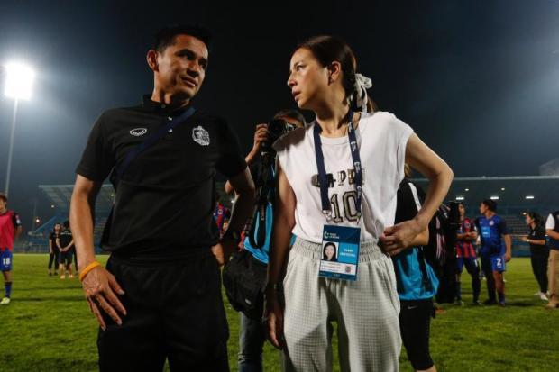Thể thao - Báo Thái chê Kiatisak: Chỉ giỏi khích lệ, không giỏi chiến thuật