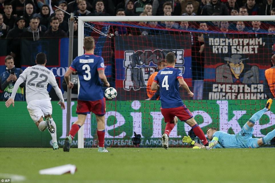 Chùm ảnh: 3-4-3 hoàn mỹ, Man Utd đè bẹp CSKA Moscow - Hình 11