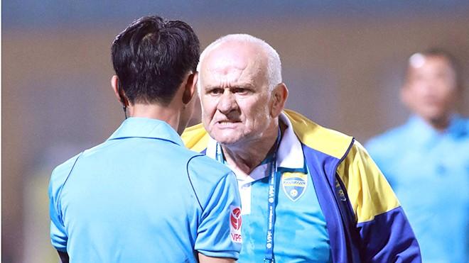 Bóng đá Việt Nam - VFF ra án phạt với HLV Petrovic vì phát ngôn không chuẩn mực