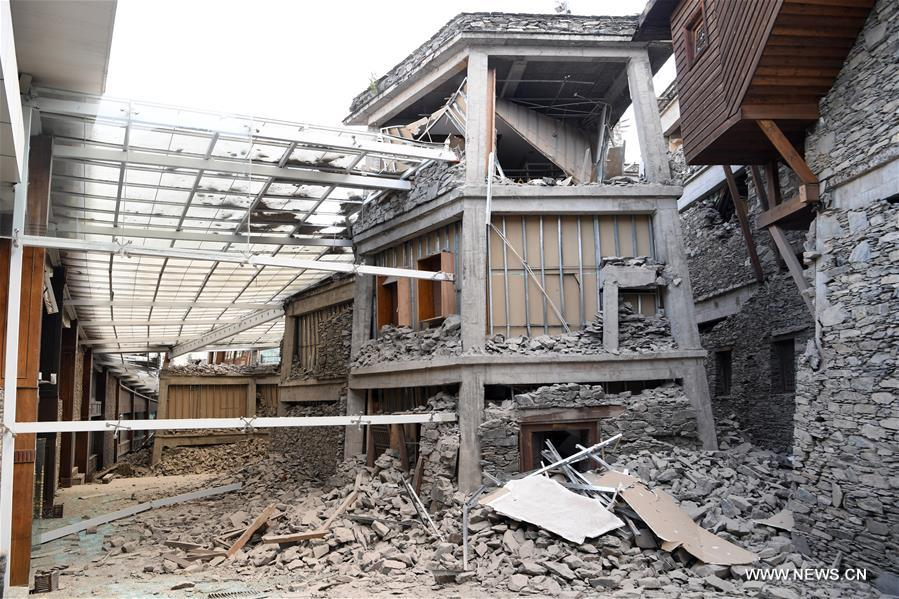 Tiêu điểm - Trung Quốc: Lại động đất kinh hoàng tại Tứ Xuyên, tâm chấn ở khu du lịch Cửu Trại Câu (Hình 2).