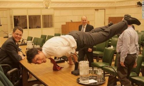 Tư vấn - Bí quyết giúp Thủ tướng Canada Justin Trudeau luôn phong độ (Hình 2).
