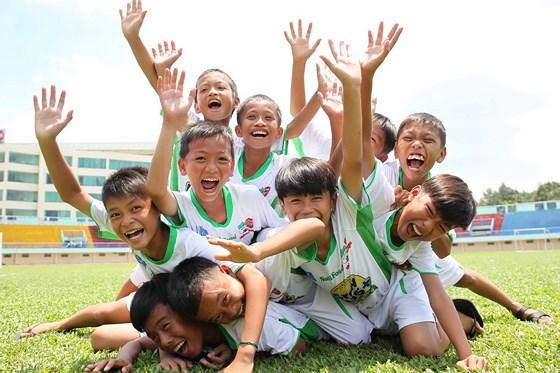 Bóng đá Việt Nam - NutiFood trở thành nhà tài trợ chính của V-League 2018