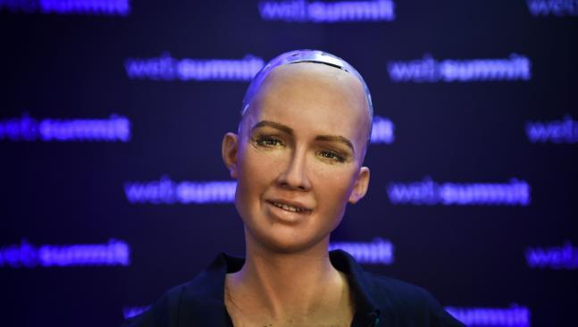 Hồ sơ - Kỳ quái chuyện robot được cấp quyền công dân muốn lập gia đình
