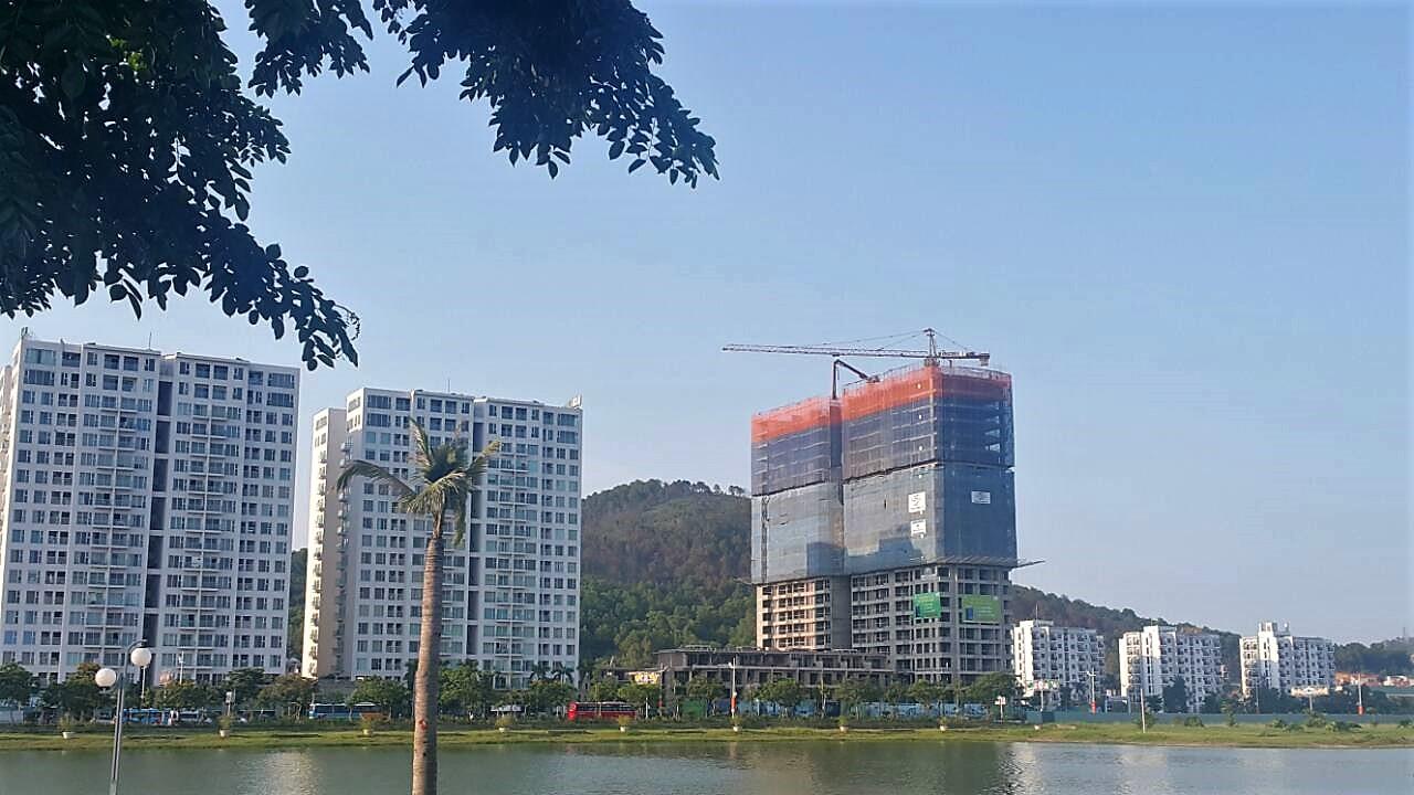 Cần biết - Hàng trăm khách Hà Nội đổ xô về Hạ Long để xem một căn hộ (Hình 3).