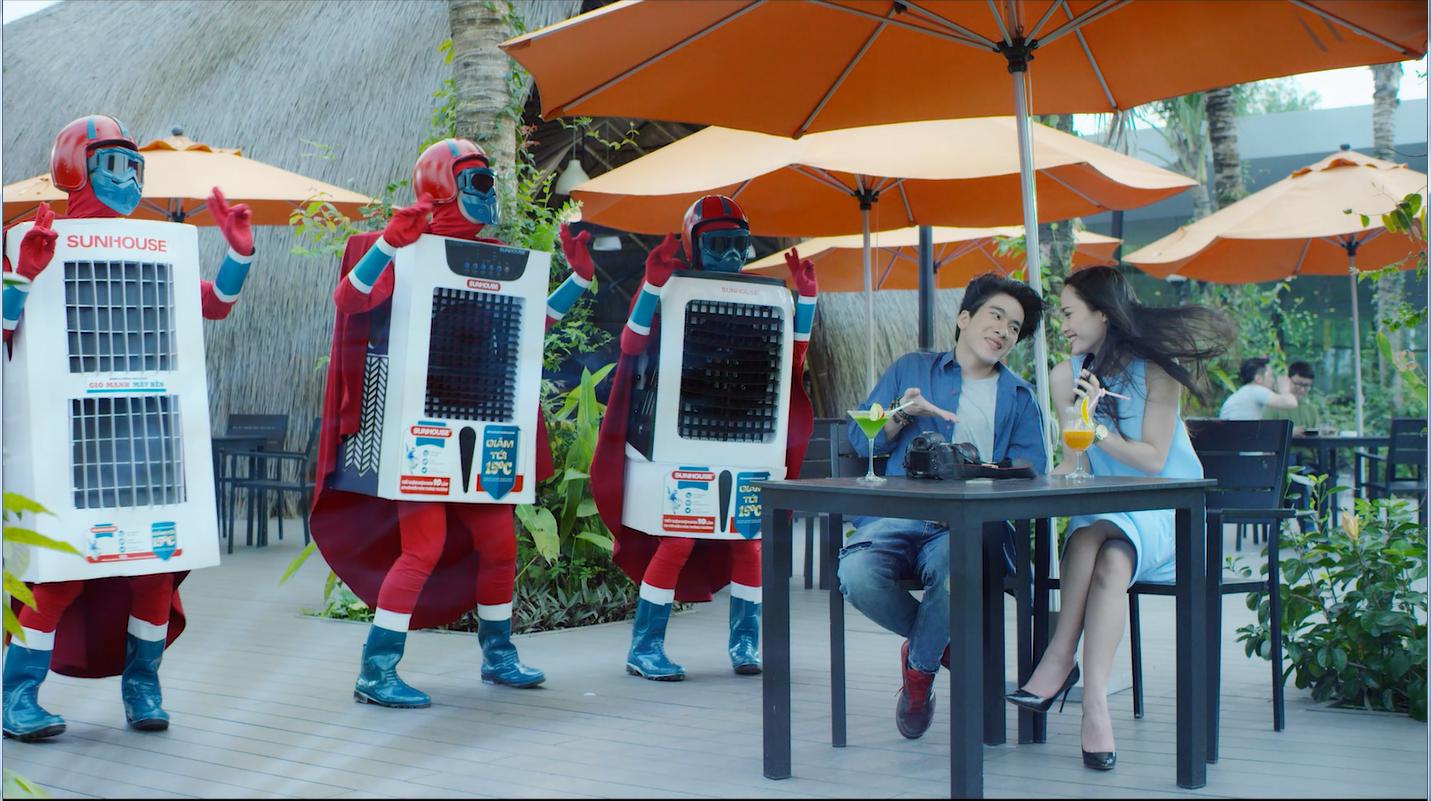 Sức khỏe - Nắng nóng cao điểm khiến cuộc sống người dân Sài Gòn đảo lộn (Hình 2).